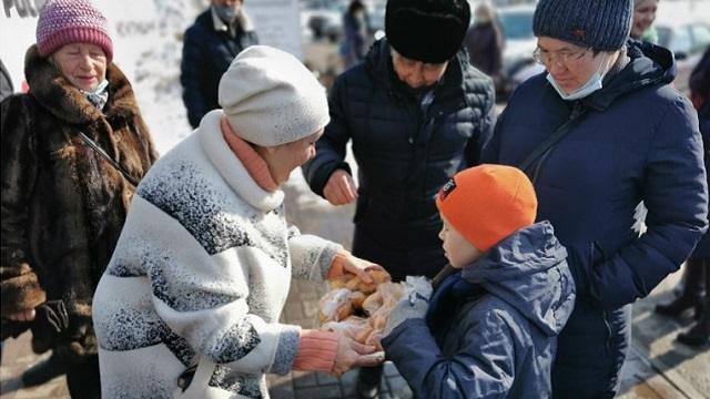 «Угощали выпечкой»: В Рудном прошла акция «Баурсак party»