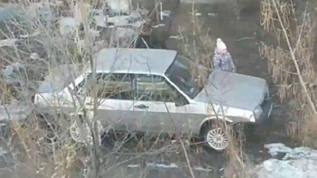 «В наказание»: Яжемать бросила ребенка в запертой машине