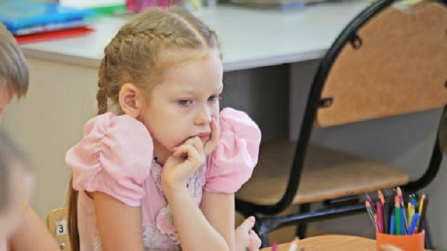 «Скандал в детсаду»: 4-летней девочке проткнули ногу карандашом