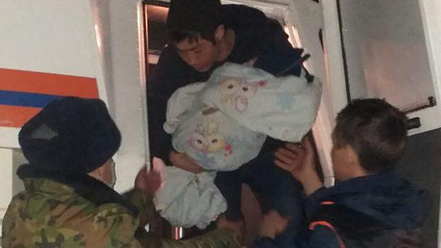 Грудничка эвакуировали во время непогоды в Костанайской области
