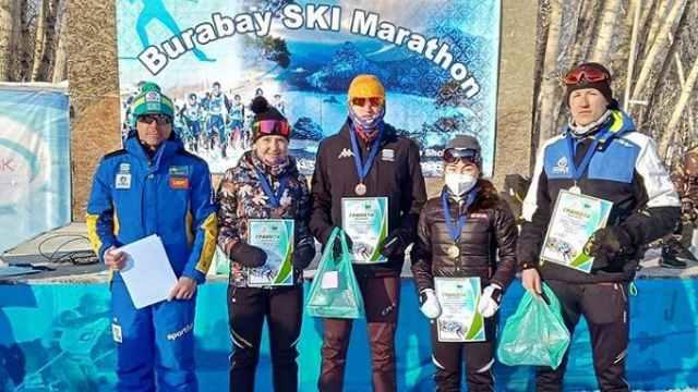 Медали с Бурабайского марафона привезли лыжники Костаная
