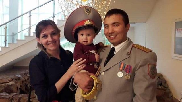 О добрых традициях семьи рассказал участковый Ерлан Абдульманов