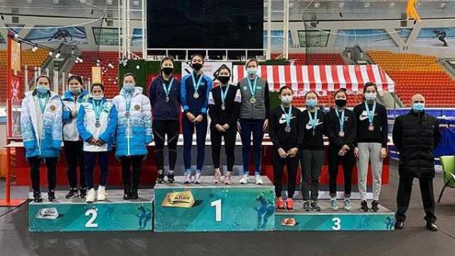 Конькобежки из Костаная выиграли эстафету на чемпионате Казахстана