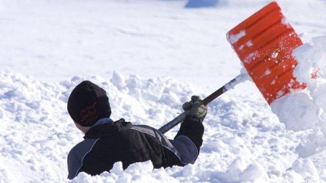 Поэт не совсем цензурно высказался об уборке снега с улиц Костаная