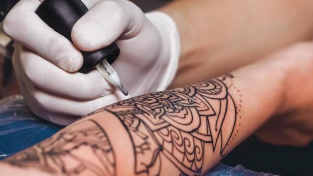 Осужденный стал тату-мастером в Костанайской области