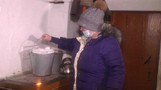 Сельчане жалуются на отсутствие воды и вынуждены топить снег