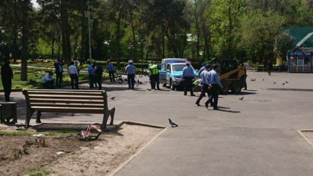 Погрузчик задавил 3-летнего ребёнка в парке Алматы