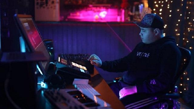 Новый ремикс Иманбека на хит 50 Cent «In Da Club» уже в Сети