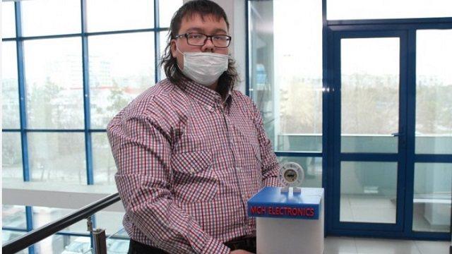 Школьник из Павлодара изобрел бесконтактный дезинфектор