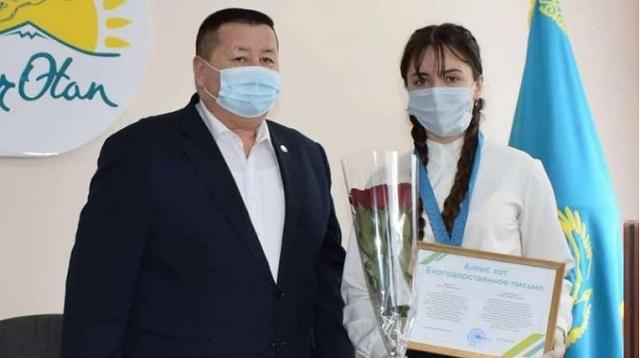 «Медаль Елбасы» вручил аким Рудного лучшим школьникам города