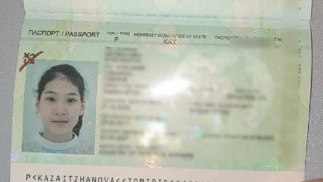15-летняя казахстанка не может покинуть Петербург вторые сутки