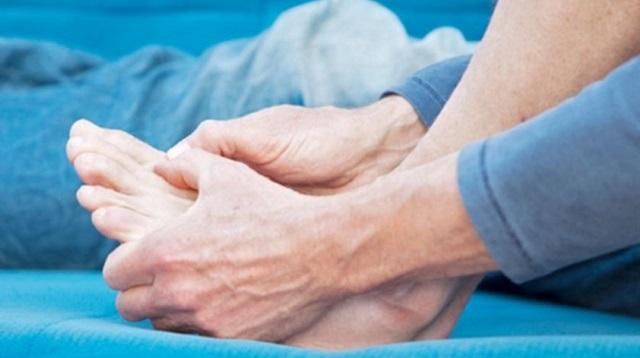 Нестерпимая боль в большом пальце ноги: Что это значит?