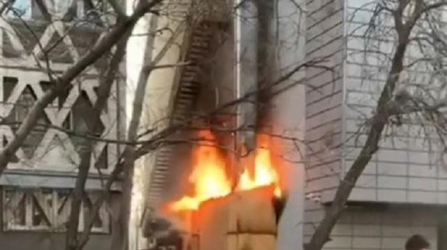 «Жертв нет»: Пожар в алматинском кафе попал на видео