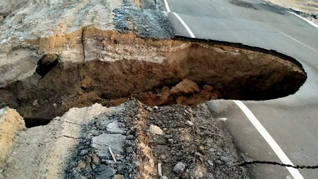 ЧП с обрушением дороги прокомментировали в Костанайской области