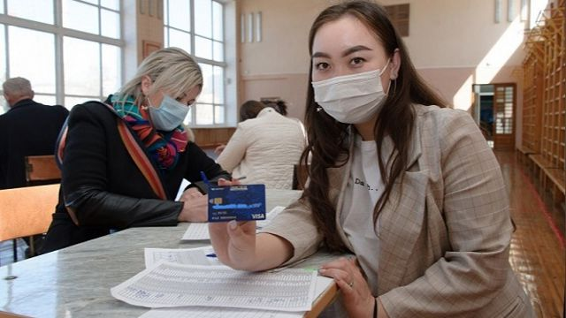 Выдача транспортных карт началась в школах Костаная