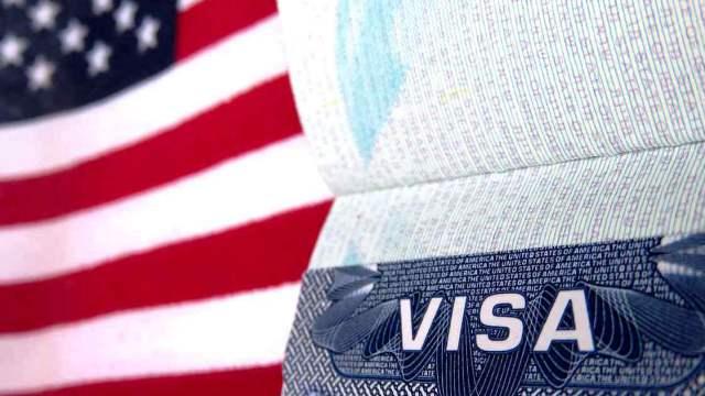 США прекращает выдачу всех виз в России, кроме дипломатических