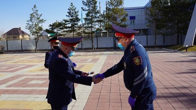 Полицейские Костаная перешли на летнюю форму одежды