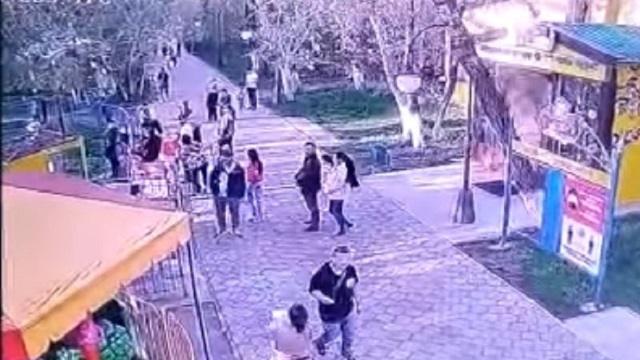 «Карусель заклинило»: Восемь детей пострадали в парке Уральска