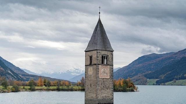 В Италии «показалась на свет» деревня на дне озера