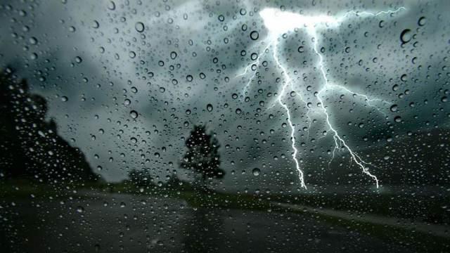 Циклон из районов Екатеринбурга несёт дожди в Казахстан