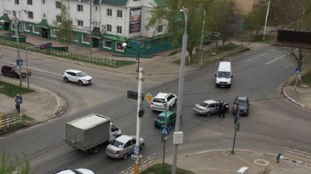 «ДТП на перекрестке»: В центре Костаная столкнулись две легковушки