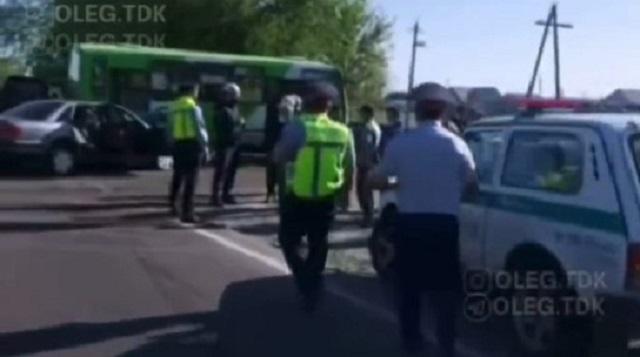 Школьный автобус попал в ДТП в Талдыкоргане. Пострадали дети