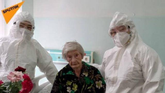 99-летняя ветеран войны победила коронавирус в Казахстане