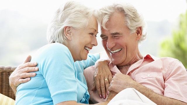 Одноклассники встретились спустя 70 лет и полюбили друг друга