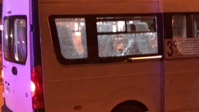 Пьяный мужчина расстрелял пассажиров маршрутки
