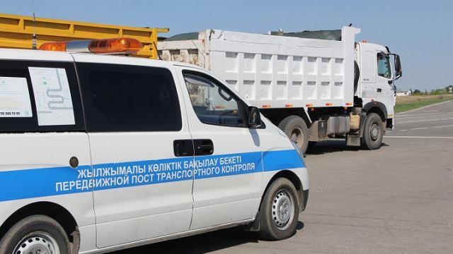 Большегрузы безнаказанно портят дороги в Костанайской области