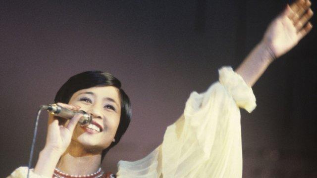 «Она — цветок»: Розе Рымбаевой посвятили стихи в Костанае