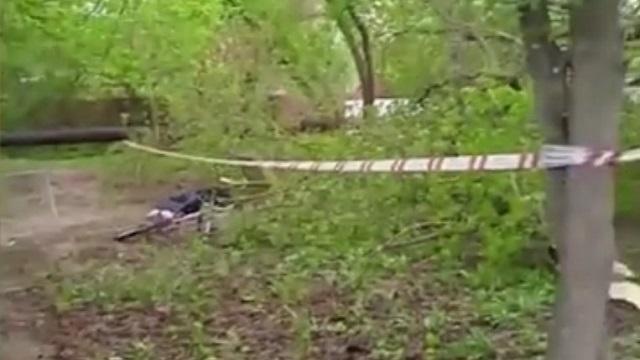 Катавшуюся на велосипеде 79-летнюю пенсионерку убило деревом