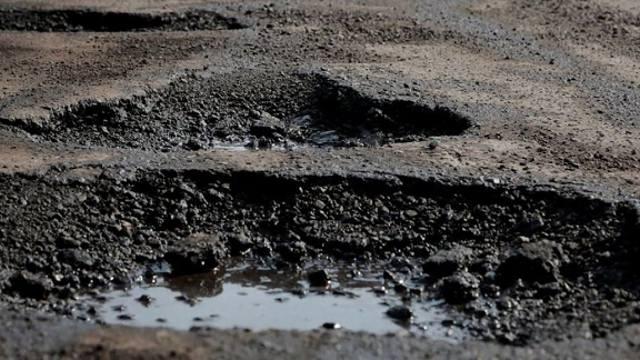 «Это беда»: 40 лет не знает ремонта трасса в Костанайской области