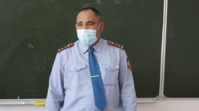 «Благодаря участковому»: Село в Казахстане живет без преступлений