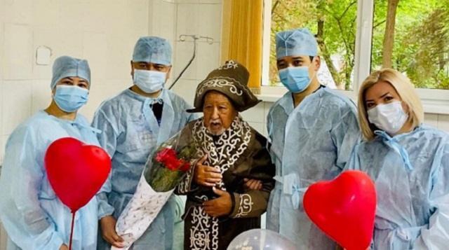Операцию на сердце сделали 96-летнему ветерану в Шымкенте