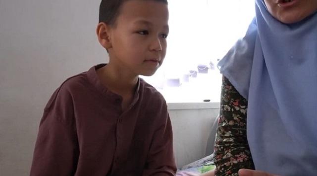 Восьмилетний казахстанец остался без руки после лечения у целителя