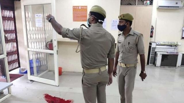 Охранник банка открыл стрельбу по посетителю без маски