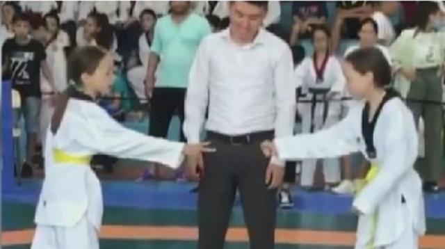 Казахстанские близняшки встретились в финале турнира по таеквондо