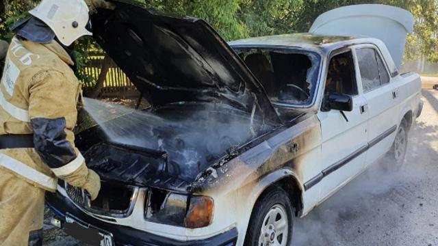 Автомобиль загорелся на трассе Рудный — Костанай