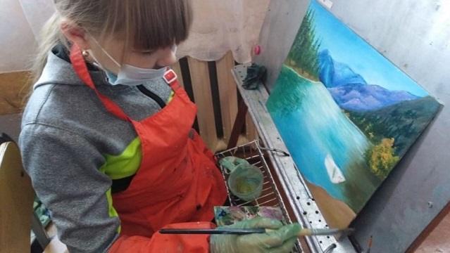 «Девочка и стекло»: О юной художнице из Костанайской области