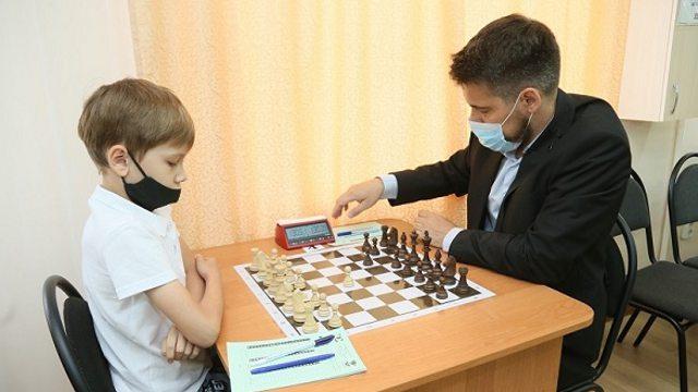 Шахматный турнир памяти Анатолия Уфимцева открылся в Костанае