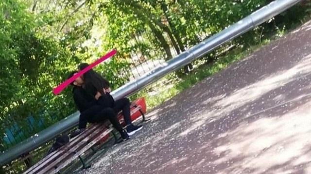 «Это нормально?»: Астанчанка возмущена целующейся парой в парке