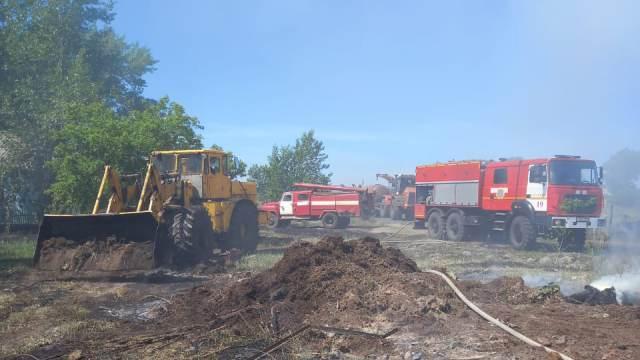 Тонны сена, постройки и скот сгорели в сёлах Костанайской области