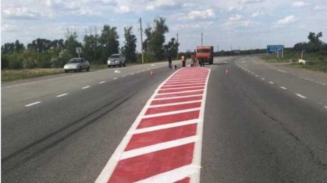 На дорогах Костаная появляется красная дорожная разметка