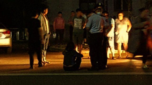 Видео: Женщина угодила под колёса автомобиля в Костанае