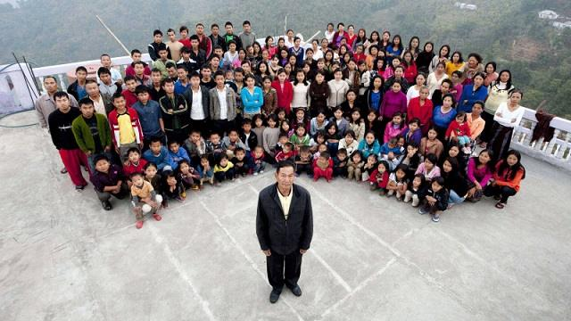 Осиротели 89 детей: Умер глава самой большой семьи в мире
