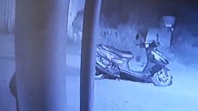 Мужчина украл скутер и подарил его сыну в Рудном