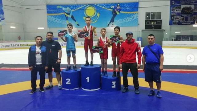 Юные борцы привезли четыре золотые медали в Костанай
