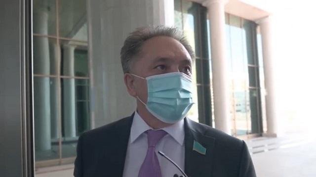 Видео: Что думают депутаты об обязательной вакцинации