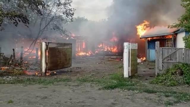 Шпальный дом сгорел у матери троих детей в Костанайской области